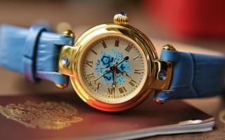 Những sản phẩm đồng hồ Nga nữ
