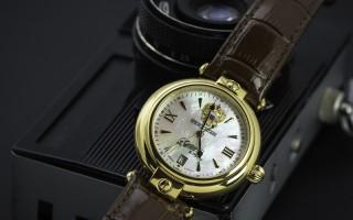 Đồng hồ Nga kỉ niệm trở về quá khứ để bước đến tương lai